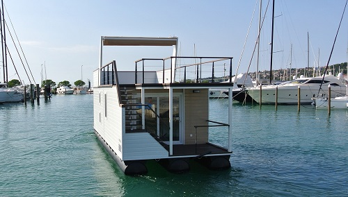 rental houseboat in USA